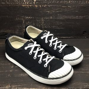 Keen Women's Elsa Sneakers Size 9